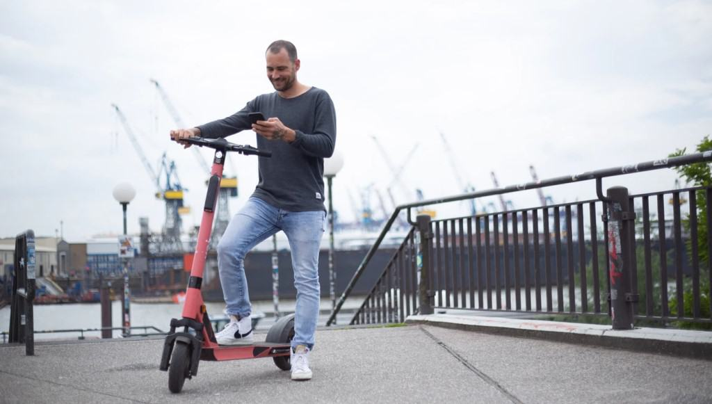 3 Options for Electric Scooter Navigation